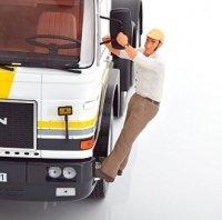 Figuur Road King Trucker Franz Hangend aan de Truck